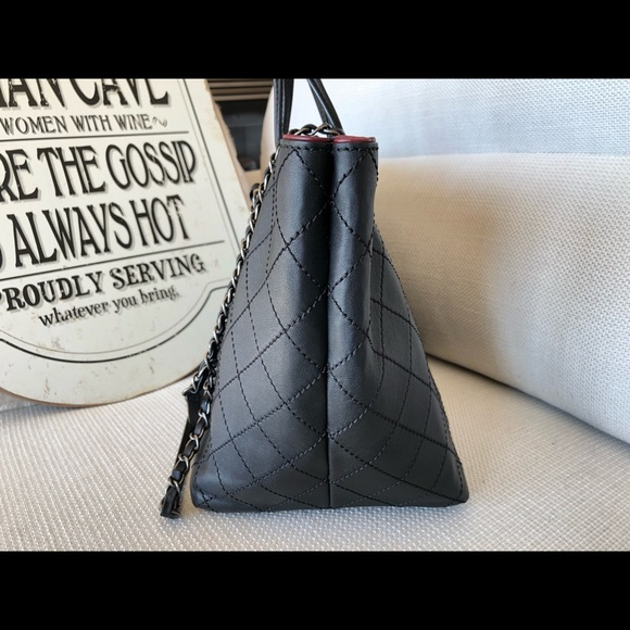 CHANEL Handbags - Additional pictures Chanel fever tote handbag